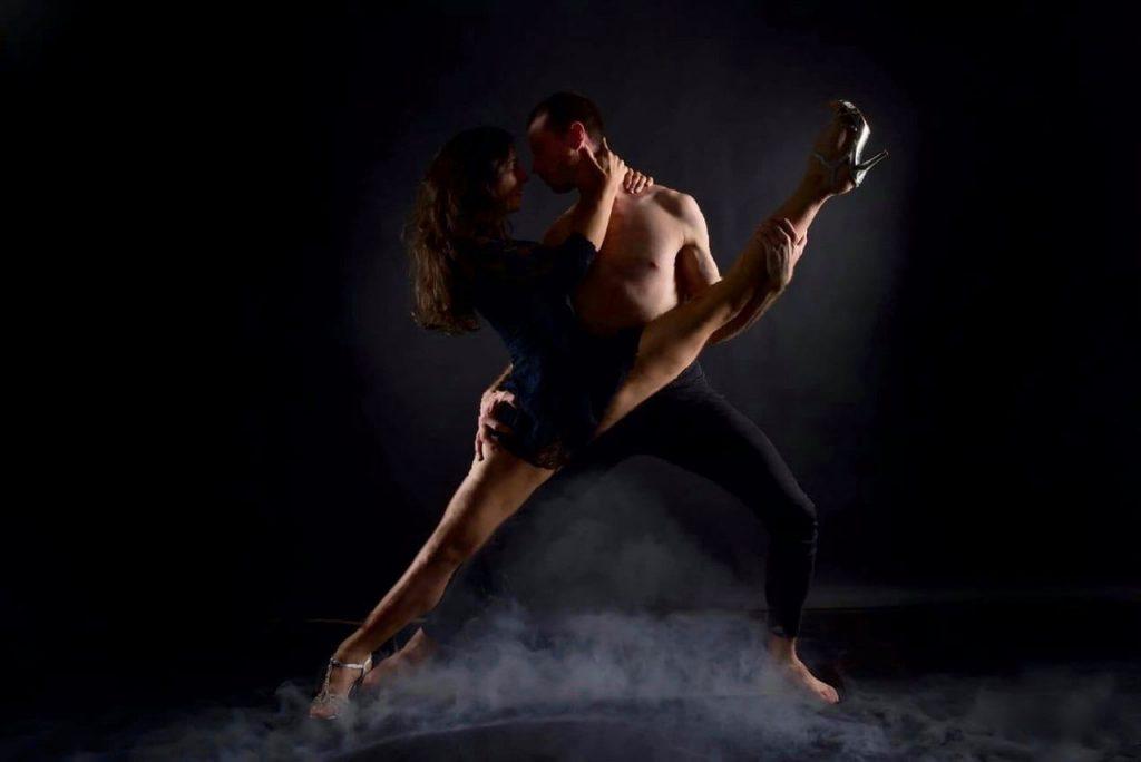 Meike Artist tanzt 03